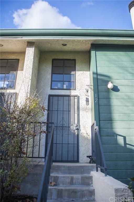 11107 Arminta Street #12, Sun Valley, CA 91352 (#SR19086745) :: Go Gabby
