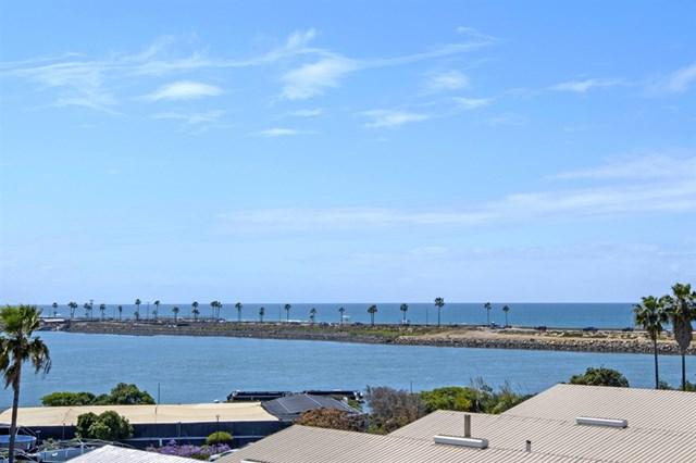 331 Olive Ave #202, Carlsbad, CA 92008 (#190020700) :: eXp Realty of California Inc.