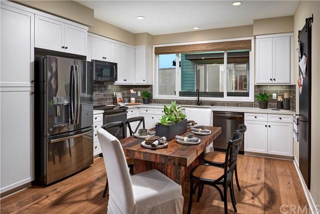 9942 Artesia Boulevard #704, Bellflower, CA 90706 (#OC19087827) :: Tony Lopez Realtor Group
