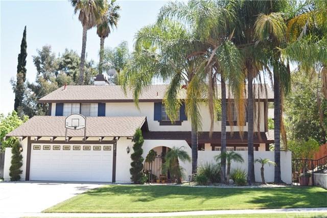 712 Aliso Street, Corona, CA 92879 (#IV19087884) :: eXp Realty of California Inc.