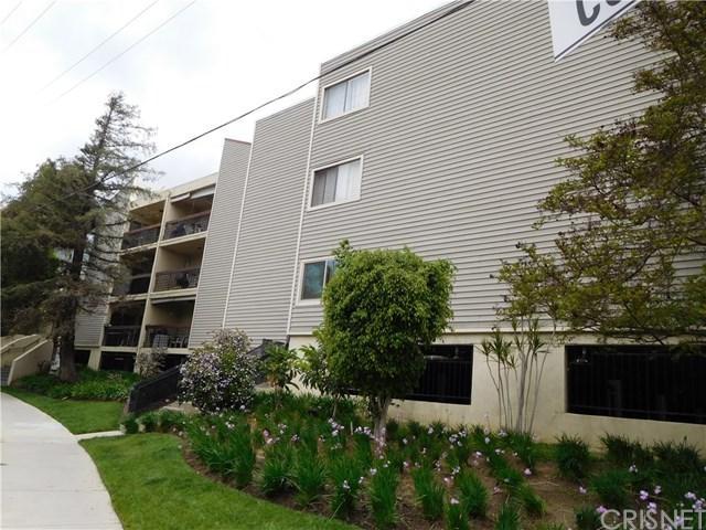 1236 N Columbus Avenue #44, Glendale, CA 91202 (#SR19087063) :: Go Gabby