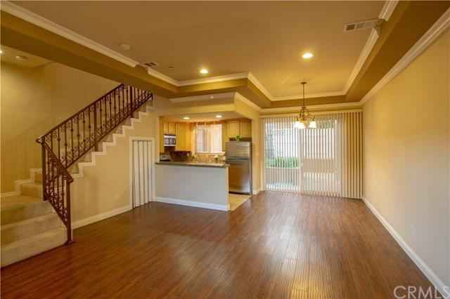 631 E Magnolia Boulevard #108, Burbank, CA 91501 (#WS19088135) :: Kim Meeker Realty Group