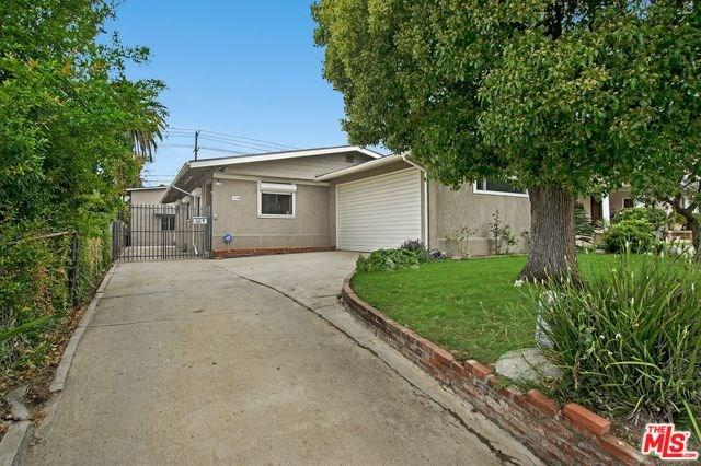 111 N Gramercy Place, Los Angeles (City), CA 90004 (#19456354) :: The Costantino Group | Cal American Homes and Realty