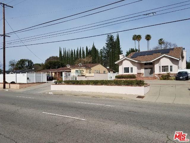 17425 Nordhoff Street, Northridge, CA 91325 (#19456648) :: Kim Meeker Realty Group
