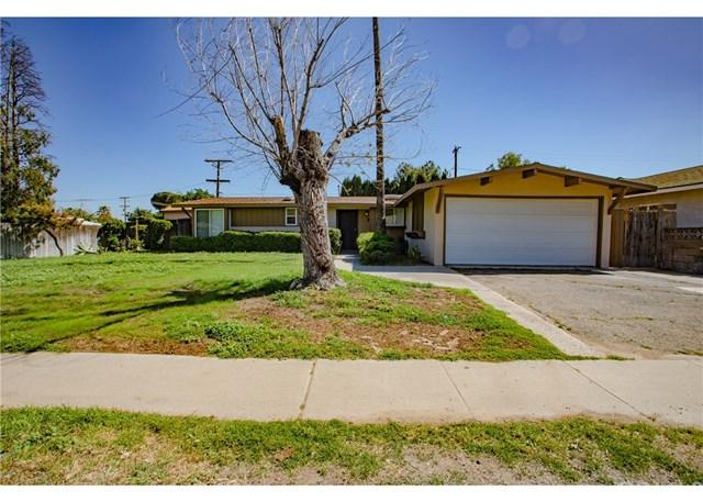 327 W Etiwanda Avenue, Rialto, CA 92376 (#CV19088530) :: The Costantino Group | Cal American Homes and Realty