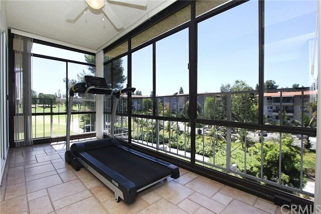 2393 Via Mariposa W 2A, Laguna Woods, CA 92637 (#OC19088995) :: Allison James Estates and Homes