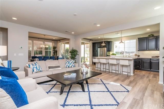 32390 Magee Lane, Temecula, CA 92592 (#SW19083577) :: Blake Cory Home Selling Team