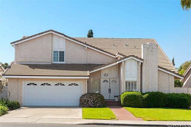 30 Deerwood W, Irvine, CA 92604 (#OC19089536) :: The Danae Aballi Team
