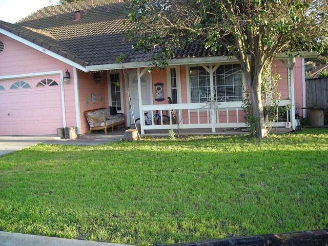 1231 Jan Avenue, Hollister, CA 95023 (#ML81747837) :: The Danae Aballi Team
