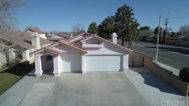 863 E Avenue J12, Lancaster, CA 93535 (#SR19089604) :: The Costantino Group | Cal American Homes and Realty