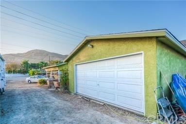 12377 La Cadena Drive, Colton, CA 92324 (#CV19089954) :: eXp Realty of California Inc.