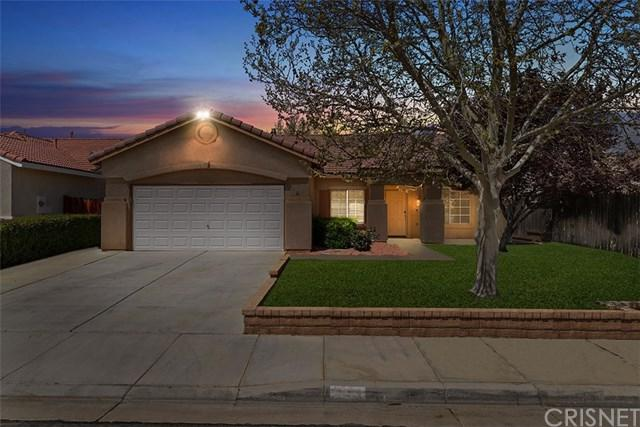 1717 W Holguin Street, Lancaster, CA 93534 (#SR19089955) :: The Costantino Group | Cal American Homes and Realty