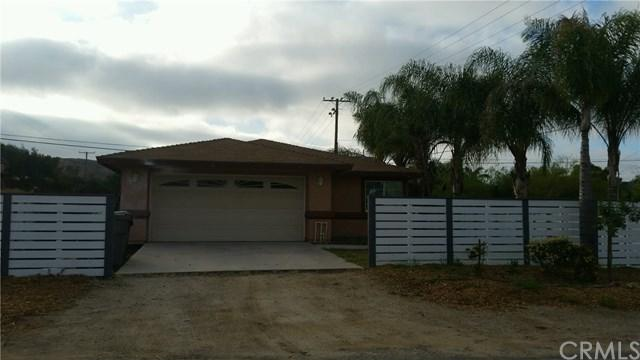 24292 Paseo La, Menifee, CA 92587 (#SW19090039) :: Blake Cory Home Selling Team
