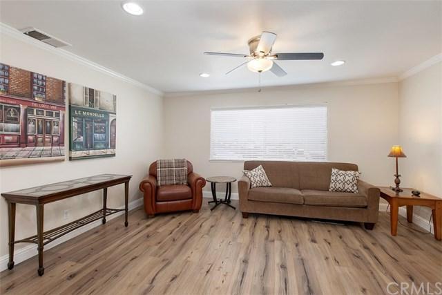1317 Via Santiago D, Corona, CA 92882 (#OC19081581) :: Blake Cory Home Selling Team