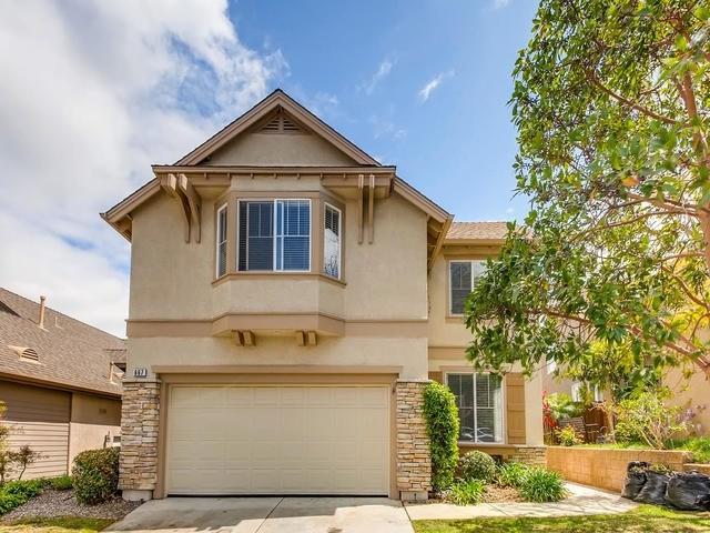 667 Poets Square, Fallbrook, CA 92028 (#190021378) :: Blake Cory Home Selling Team