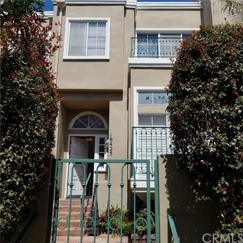 19425 Castlewood Circle, Huntington Beach, CA 92648 (#OC19090112) :: DSCVR Properties - Keller Williams