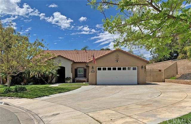 29167 Black Hills Circle, Menifee, CA 92584 (#SW19090291) :: Blake Cory Home Selling Team