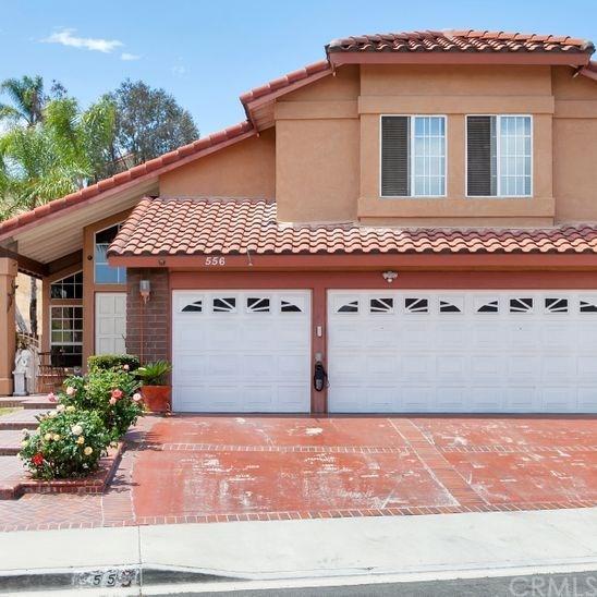 556 Hillsborough Way, Corona, CA 92879 (#IV19089430) :: Blake Cory Home Selling Team
