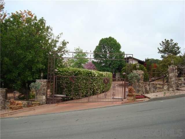 729 Singing Trails Dr, El Cajon, CA 92019 (#190021435) :: Scott J. Miller Team/ Coldwell Banker Residential Brokerage