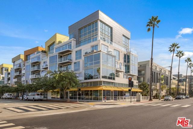 1705 Ocean Ave #206, Santa Monica, CA 90401 (#19457678) :: Heller The Home Seller