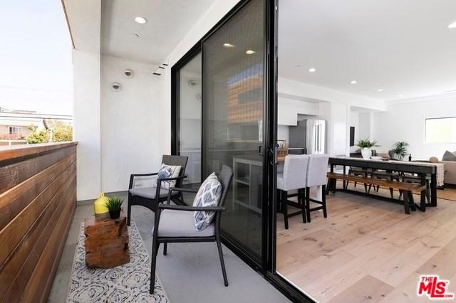 860-1/2 S Wilton Place, Los Angeles (City), CA 90005 (#19457724) :: Go Gabby