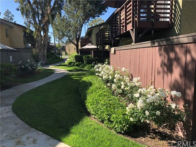 1410 W Lambert Road #204, La Habra, CA 90631 (#OC19090961) :: Heller The Home Seller