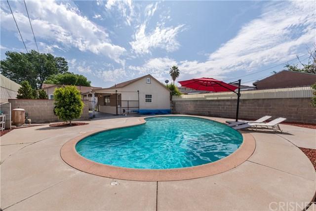 1235 N Beachwood Drive, Burbank, CA 91506 (#SR19090698) :: Heller The Home Seller