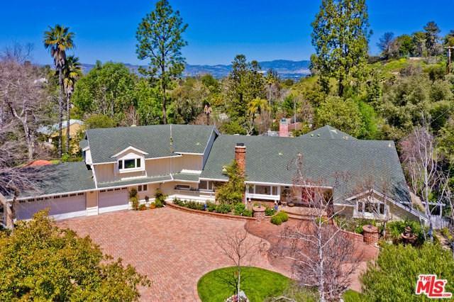 19155 Rosita Street, Tarzana, CA 91356 (#19457696) :: eXp Realty of California Inc.