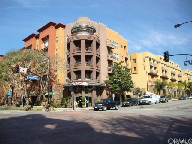 201 E Angeleno Avenue #203, Burbank, CA 91502 (#AR19091319) :: The Houston Team | Compass