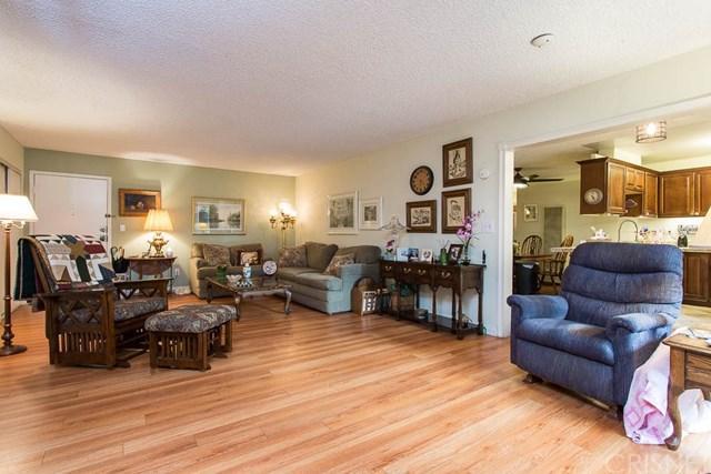 18530 Hatteras Street #130, Tarzana, CA 91356 (#SR19087370) :: eXp Realty of California Inc.