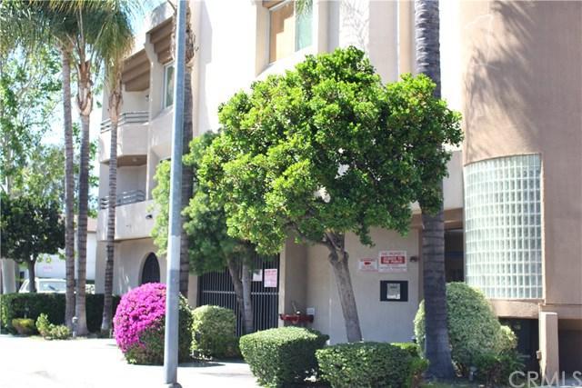 15455 Sherman Way #23, Van Nuys, CA 91406 (#WS19084212) :: Kim Meeker Realty Group