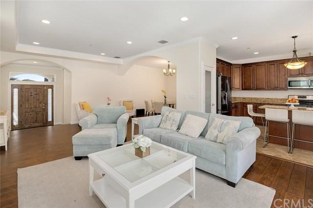 10828 Mcvine Avenue, Sunland, CA 91040 (#PF19085577) :: The Brad Korb Real Estate Group