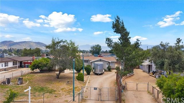 1060 7th Street, Norco, CA 92860 (#IG19088152) :: Kim Meeker Realty Group