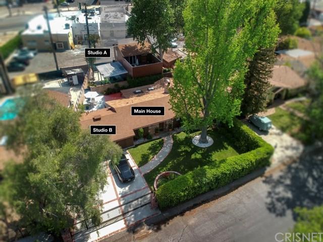 22824 Leonora Drive, Woodland Hills, CA 91367 (#SR19090475) :: The Houston Team | Compass