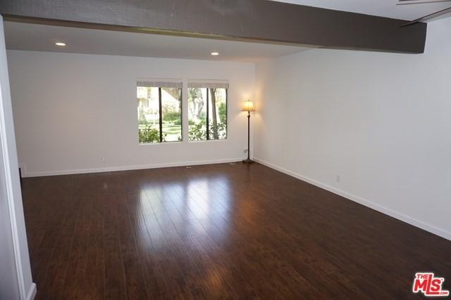 9751 Reseda Boulevard #27, Northridge, CA 91324 (#19459022) :: The Brad Korb Real Estate Group