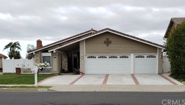 21071 Avenida Albercon, Lake Forest, CA 92630 (#OC19092628) :: Doherty Real Estate Group