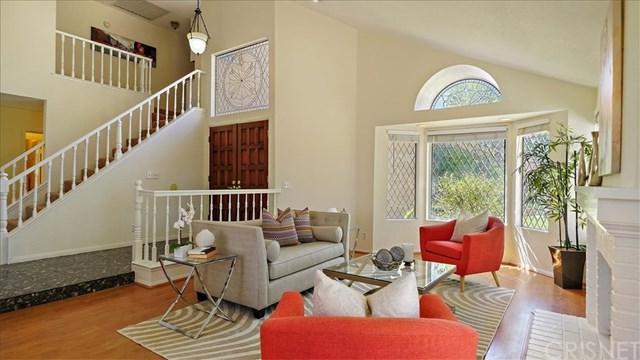22021 Jodi Place, Saugus, CA 91350 (#SR19092582) :: The Brad Korb Real Estate Group