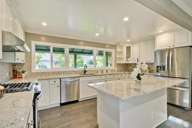 3005 Hastings Avenue, Redwood City, CA 94061 (#ML81748776) :: eXp Realty of California Inc.
