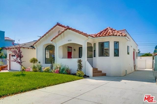4050 W 59TH Place, Los Angeles (City), CA 90043 (#19459162) :: Go Gabby