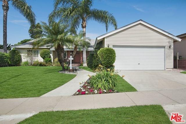 5905 S Sherbourne Drive, Los Angeles (City), CA 90056 (#19457158) :: Fred Sed Group