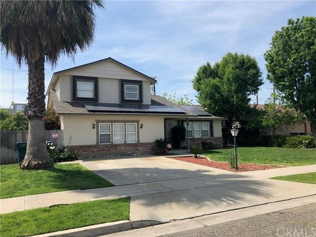 945 N Terrace Park Street, Tulare, CA 93274 (#FR19094745) :: Heller The Home Seller
