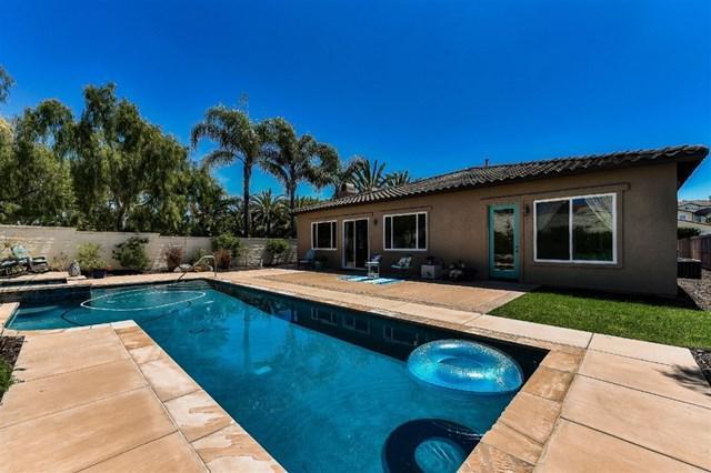 1736 Azul Vista, San Marcos, CA 92078 (#190022396) :: Go Gabby