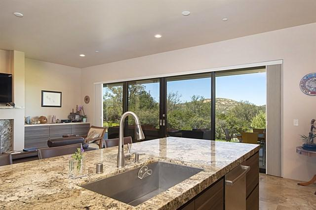 10498 Burrell Way, Descanso, CA 91916 (#190022900) :: Fred Sed Group
