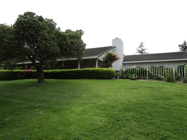 17541 Hillcrest Drive, Salinas, CA 93908 (#ML81749726) :: Fred Sed Group
