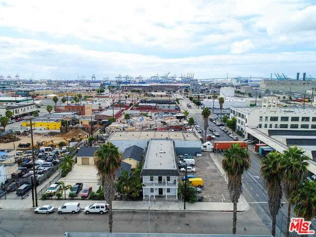 126 W D Street, Wilmington, CA 90744 (#19464444) :: Fred Sed Group