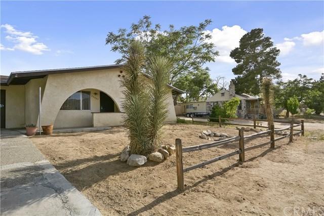 55595 Pueblo, Yucca Valley, CA 92284 (#CV19107724) :: Team Tami