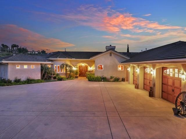 5125 Olive Hill Trail, Bonsall, CA 92003 (#190025623) :: Fred Sed Group
