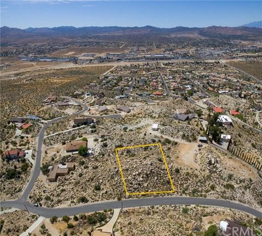 123 Bandera Road, Yucca Valley, CA 92284 (#JT19110108) :: RE/MAX Empire Properties