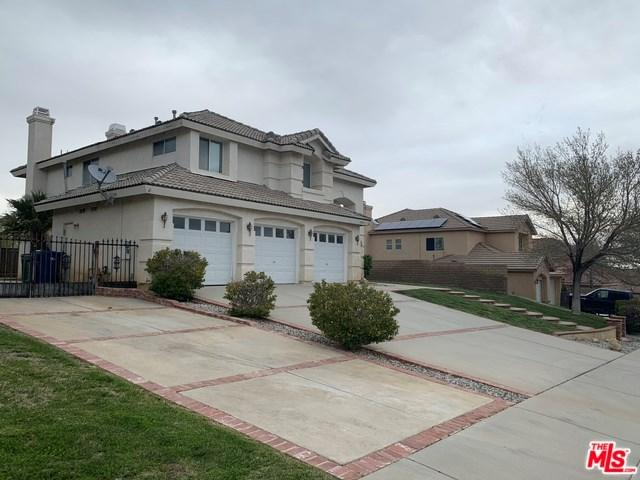 7357 Round Hill Drive, Lancaster, CA 93536 (#19465708) :: Fred Sed Group