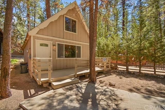 822 W Rainbow Boulevard, Big Bear, CA 92314 (#PW19111182) :: The Danae Aballi Team